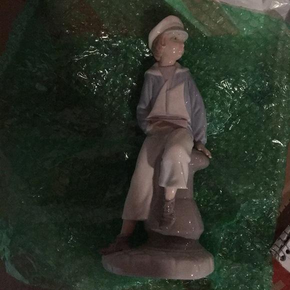 LLADRO Sailor Boy Figurine holding Sailboat #4810